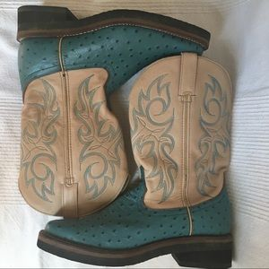 DURANGO Ostrich Embossed Crepe Roper Boots RD3306